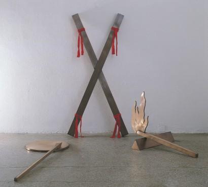 Die X Stelle 1986  Kupfer, Seide  Kunsthalle Rosenheim